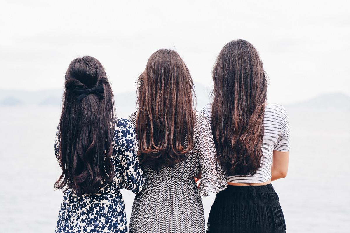 Comment stimuler la pousse des cheveux naturellement